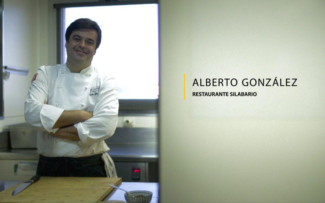 Bacalao en pan de brona, brandada y habitas verdes, por Alberto González